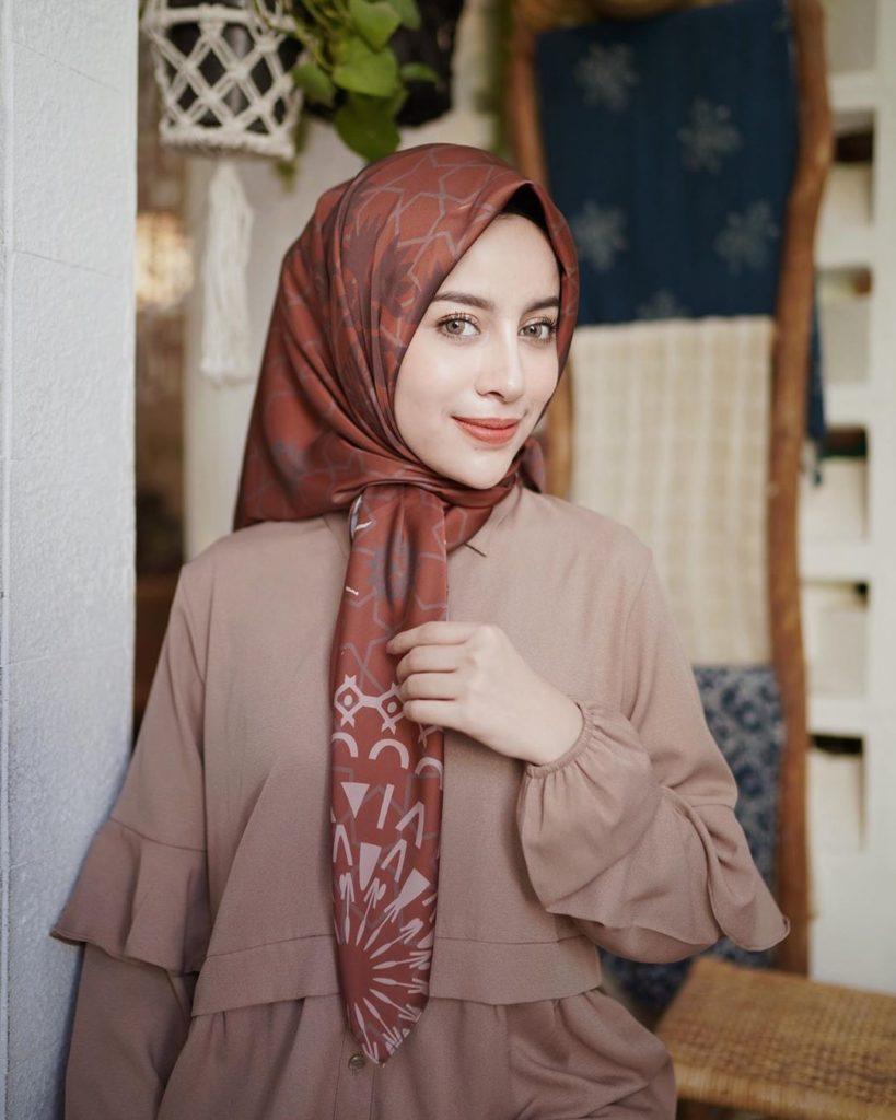 model hijab wisuda