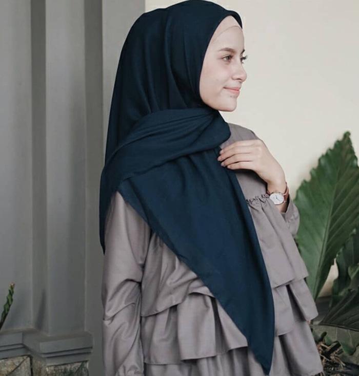hijab segitiga simple