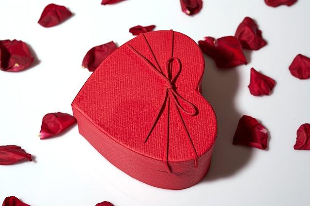 Kado Buat Pernikahan Saudara