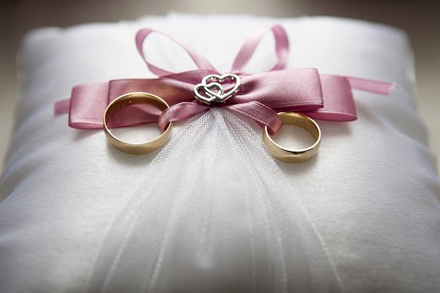 Kado Pernikahan Yang Murah Tapi Berkesan