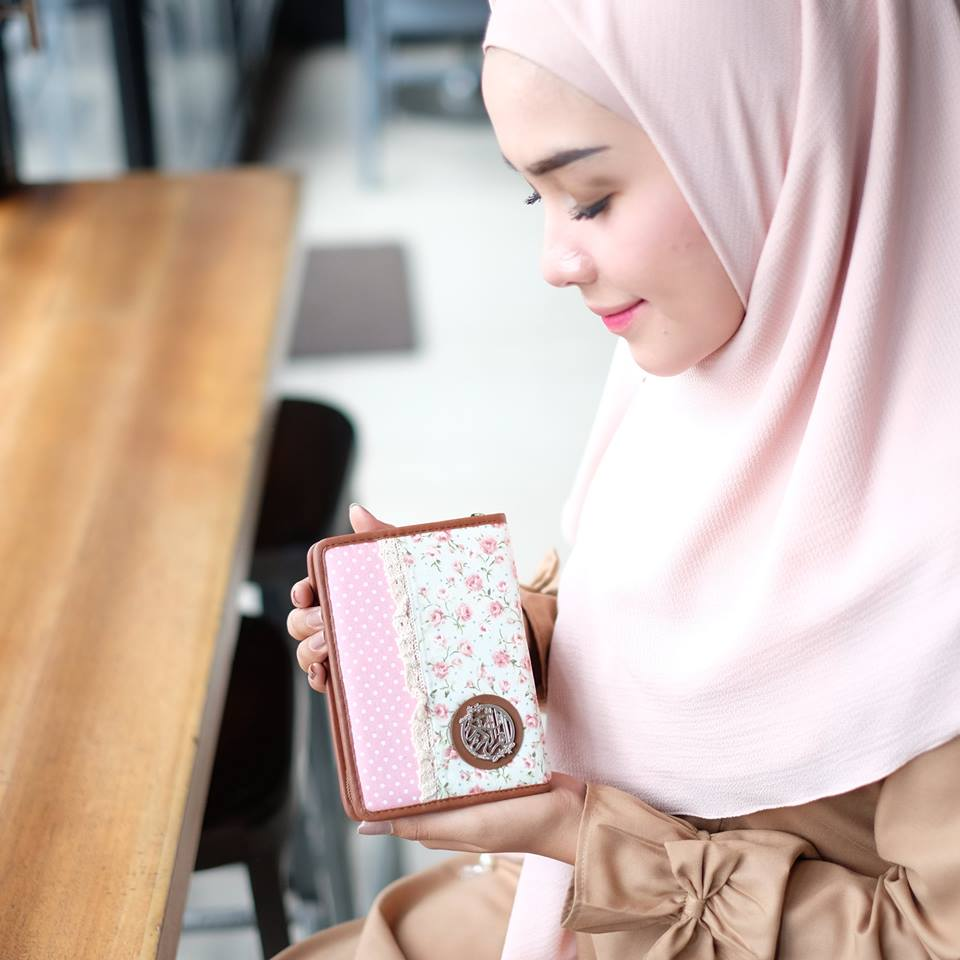 Madina Al Quran Zhafira Zipper