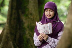 Al Quran Tajwid Warna dan Terjemahan