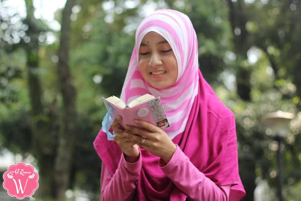 Al Quran Warna Pink