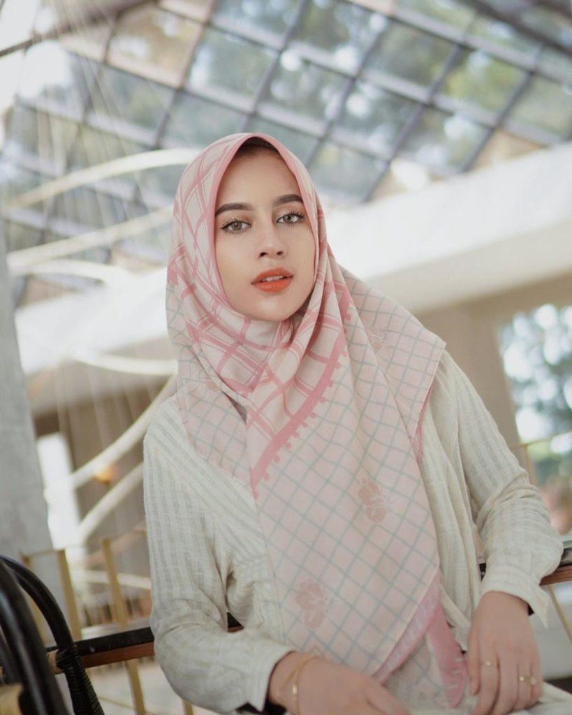 Cara Memakai Hijab Yang Cantik dan Mudah
