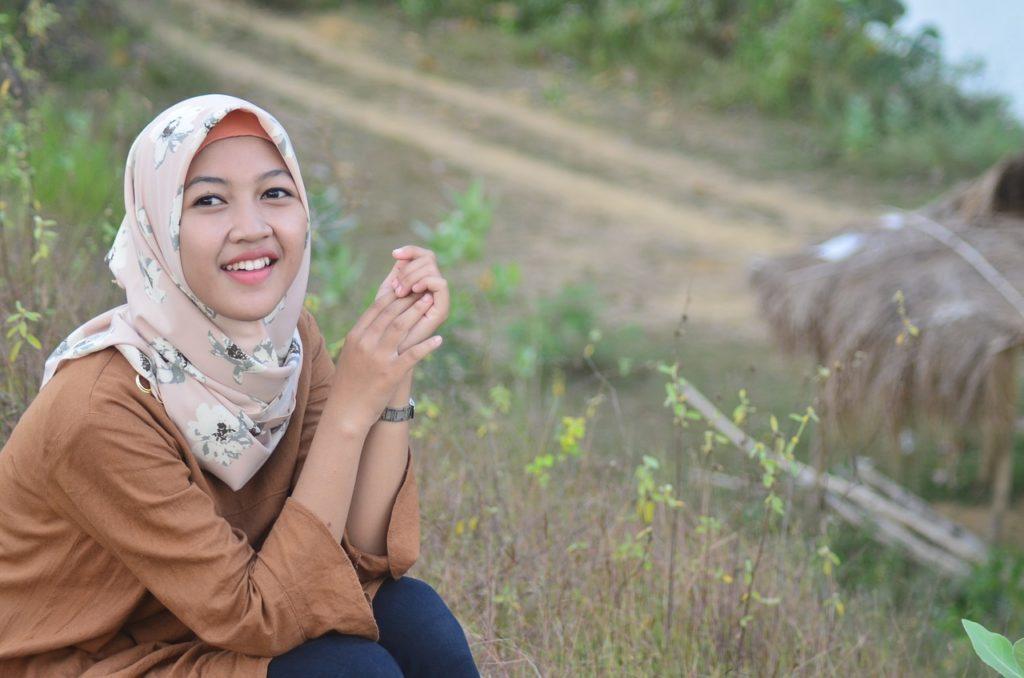 Cara Memakai Hijab Yang Simpel dan Bagus