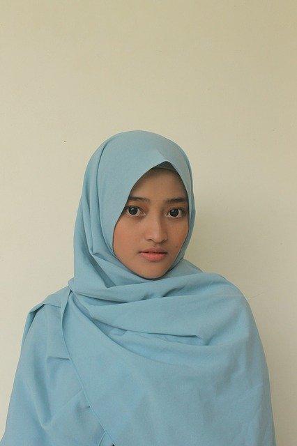 Cara Memakai Jilbab Yang Simpel