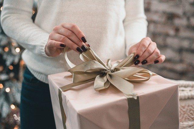 Hadiah Anniversary Pernikahan Untuk Suami