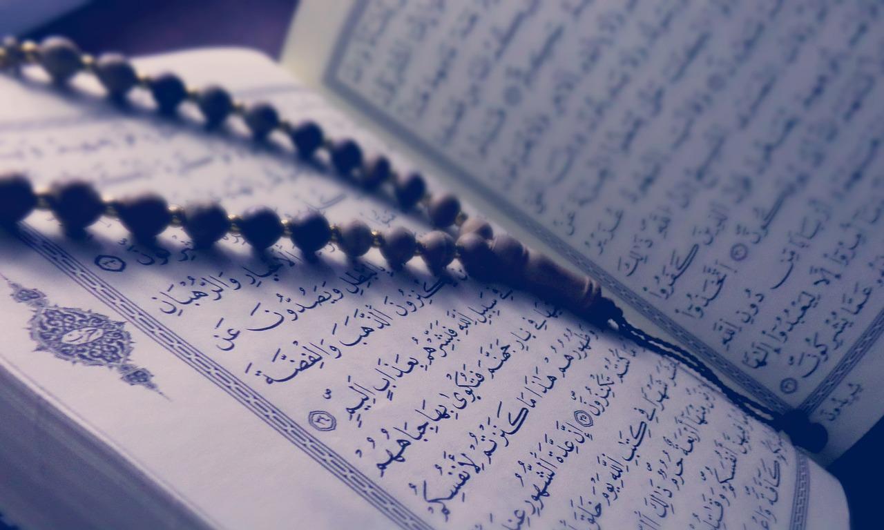 Manfaat Membaca Al Quran Tiap Hari