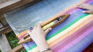 kain tenun berasal dari daerah