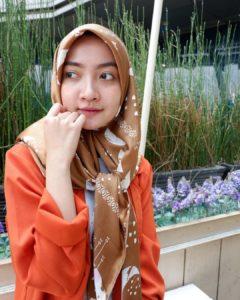 hijab warna mocca