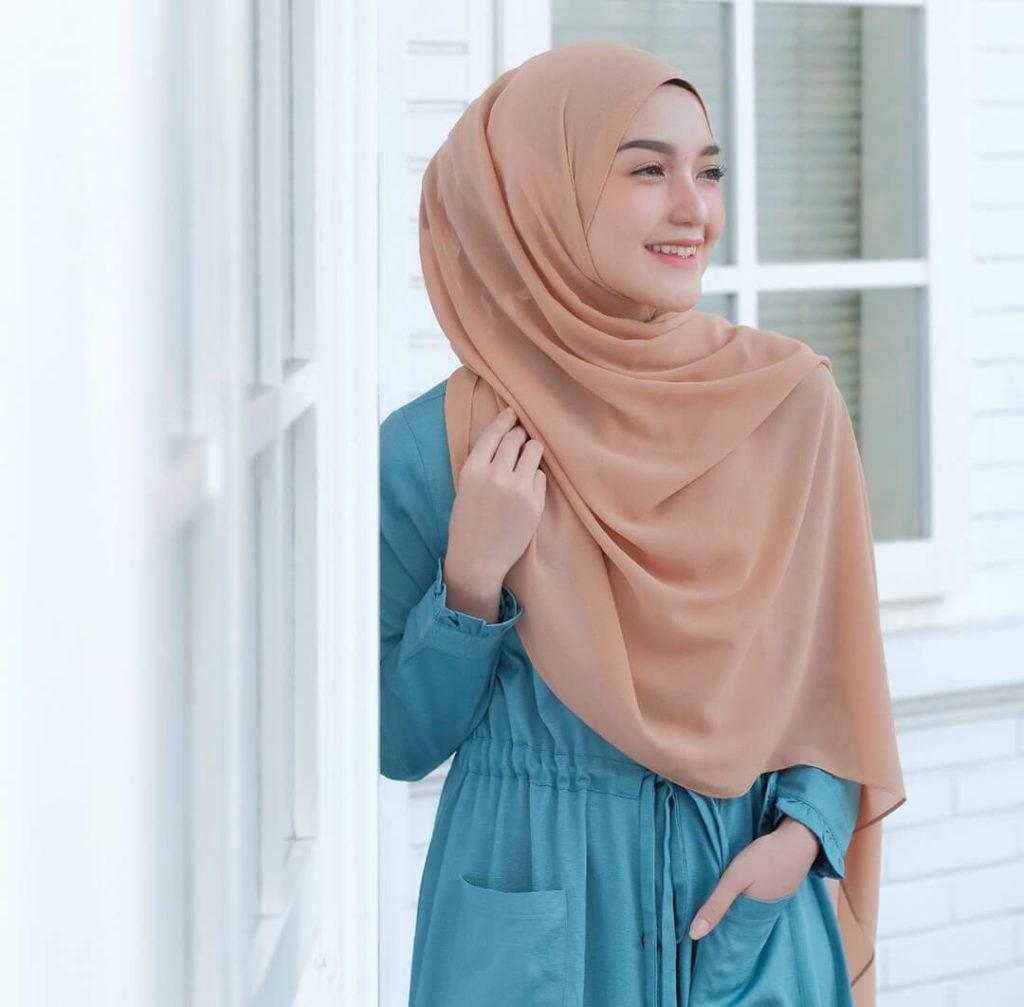 jilbab warna mocca cocok dengan baju warna apa