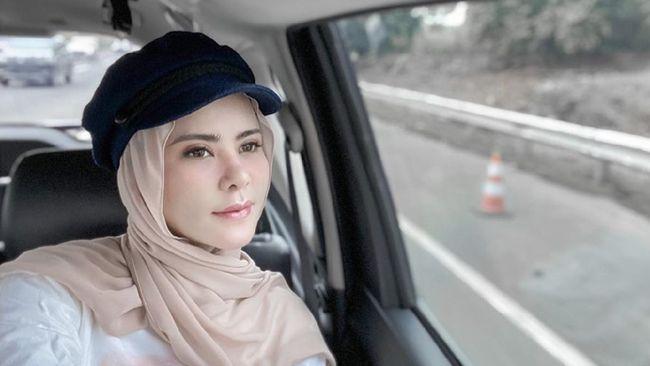 aksesoris hijab kepala