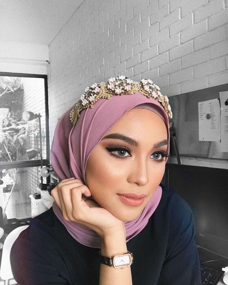 aksesoris hijab pengantin