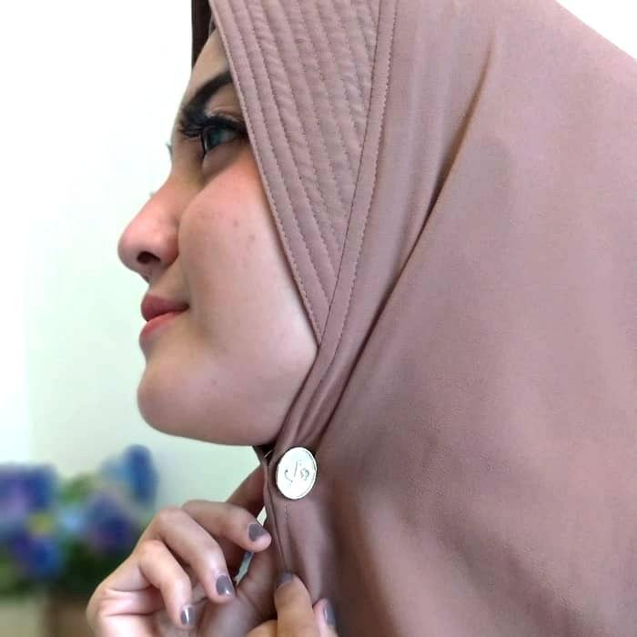aksesoris hijab wisuda